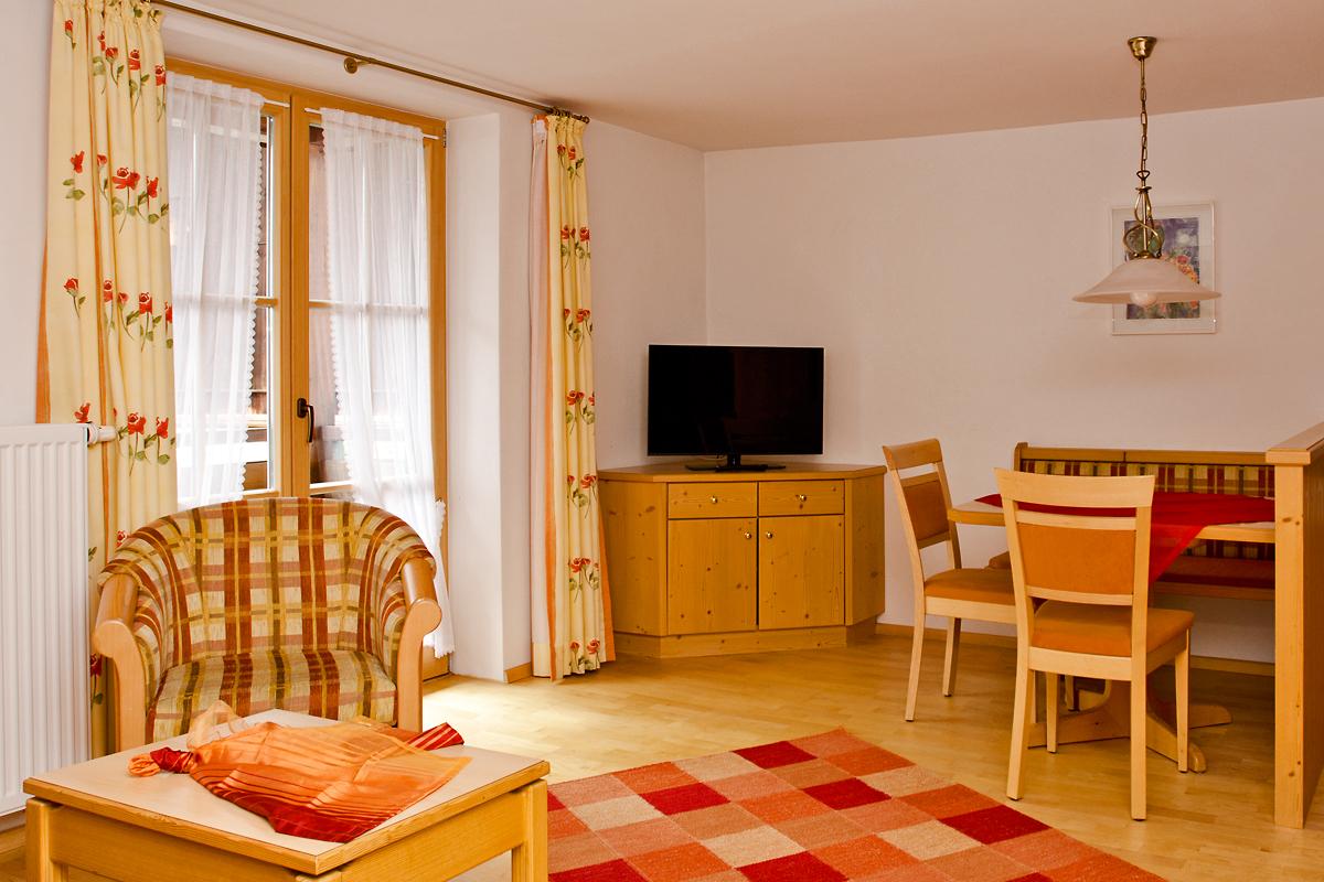 wohn und esszimmer landhaus barbara. Black Bedroom Furniture Sets. Home Design Ideas