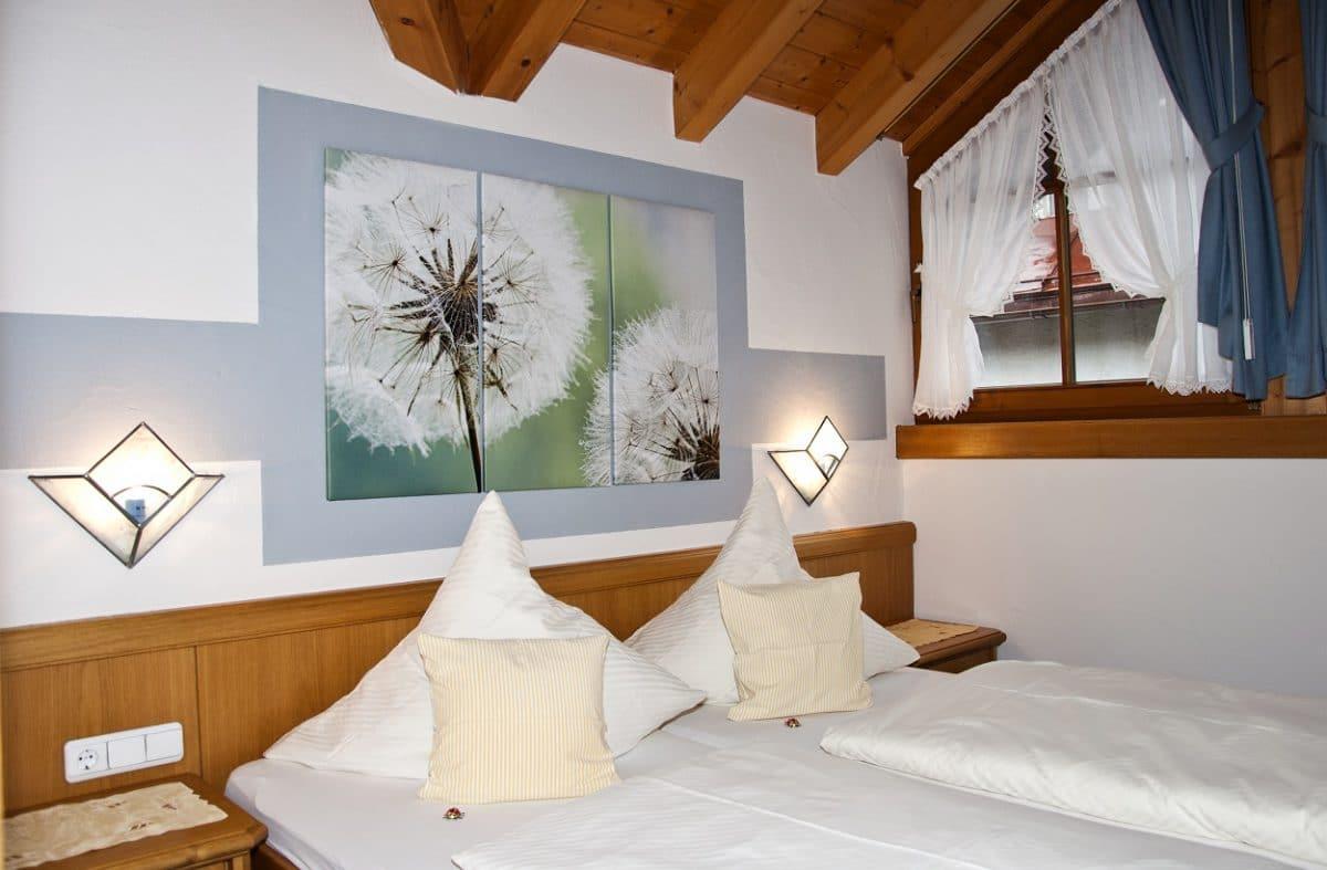 Schlafzimmer Ferienwohnung Eichhörnchen | Landhaus Barbara