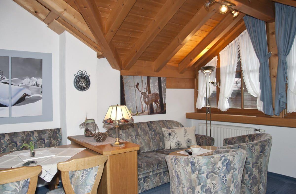 Wohnbereich Ferienwohnung Rehbock | Landhaus Barbara