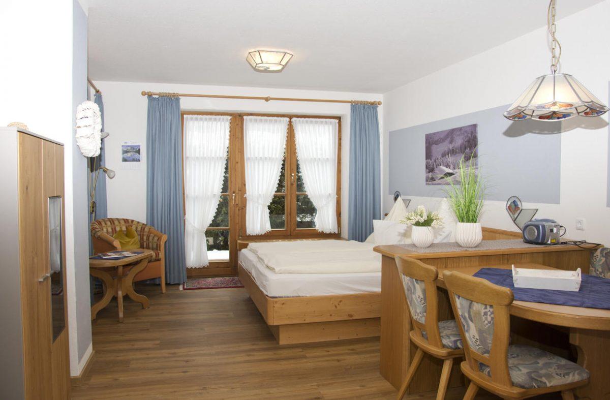 Schlafzimmer Ferienwohnung Viehscheid | Landhaus Barbara
